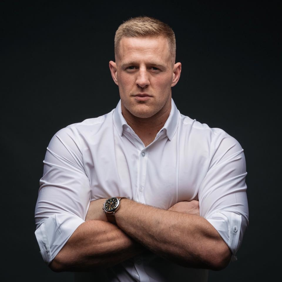 Mizzen Main Makes Performance Fabric Dress Shirts You Could Play