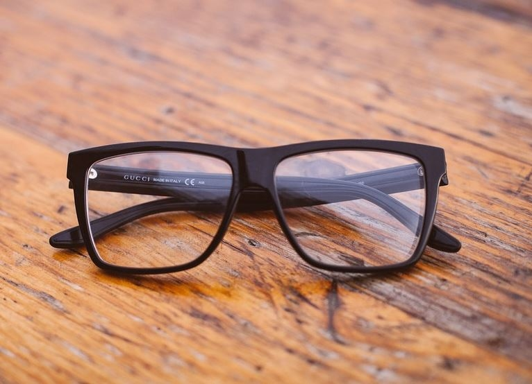 Save Money on Eyeglasses With These 10 Simple Tips
